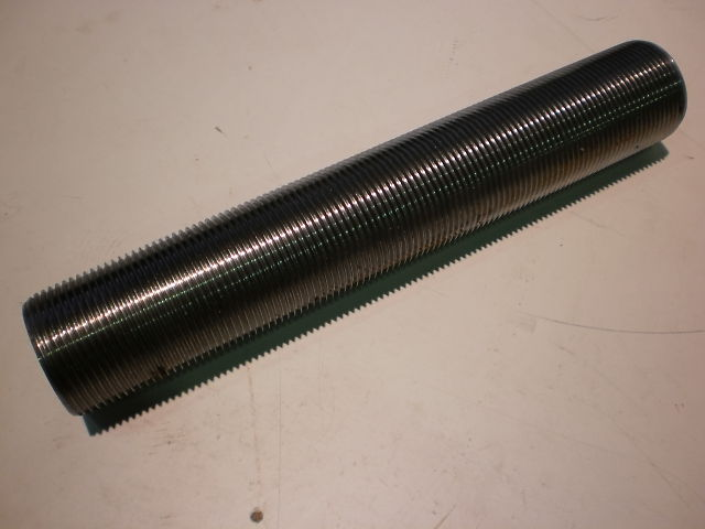 526 - THREADED ROD - THREADED RODS M70X420  8.8